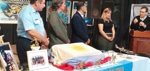 Los Ex Combatientes de Malvinas, homenajearon a la junta de protección civil, en el complejo cultural de Las Toscas
