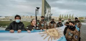 Rinden homenaje al General Manuel Belgrano en el Día de la Bandera