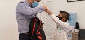 """Luque recibió a Tiago, el nene que le discutió a su maestra que las Malvinas """"sí son argentinas"""""""