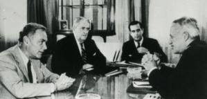 """El fracaso del enviado de Reagan para detener la guerra de Malvinas y la advertencia que desoyó Galtieri: """"Los británicos lograrán la victoria"""""""