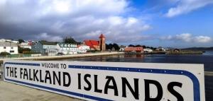 Candidatos en Malvinas buscan adhesión del electorado atacando a Argentina
